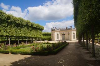 096 Petit Trianon