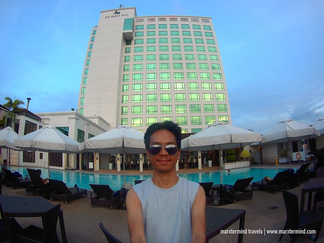 Marco Polo Davao Pool Lounge