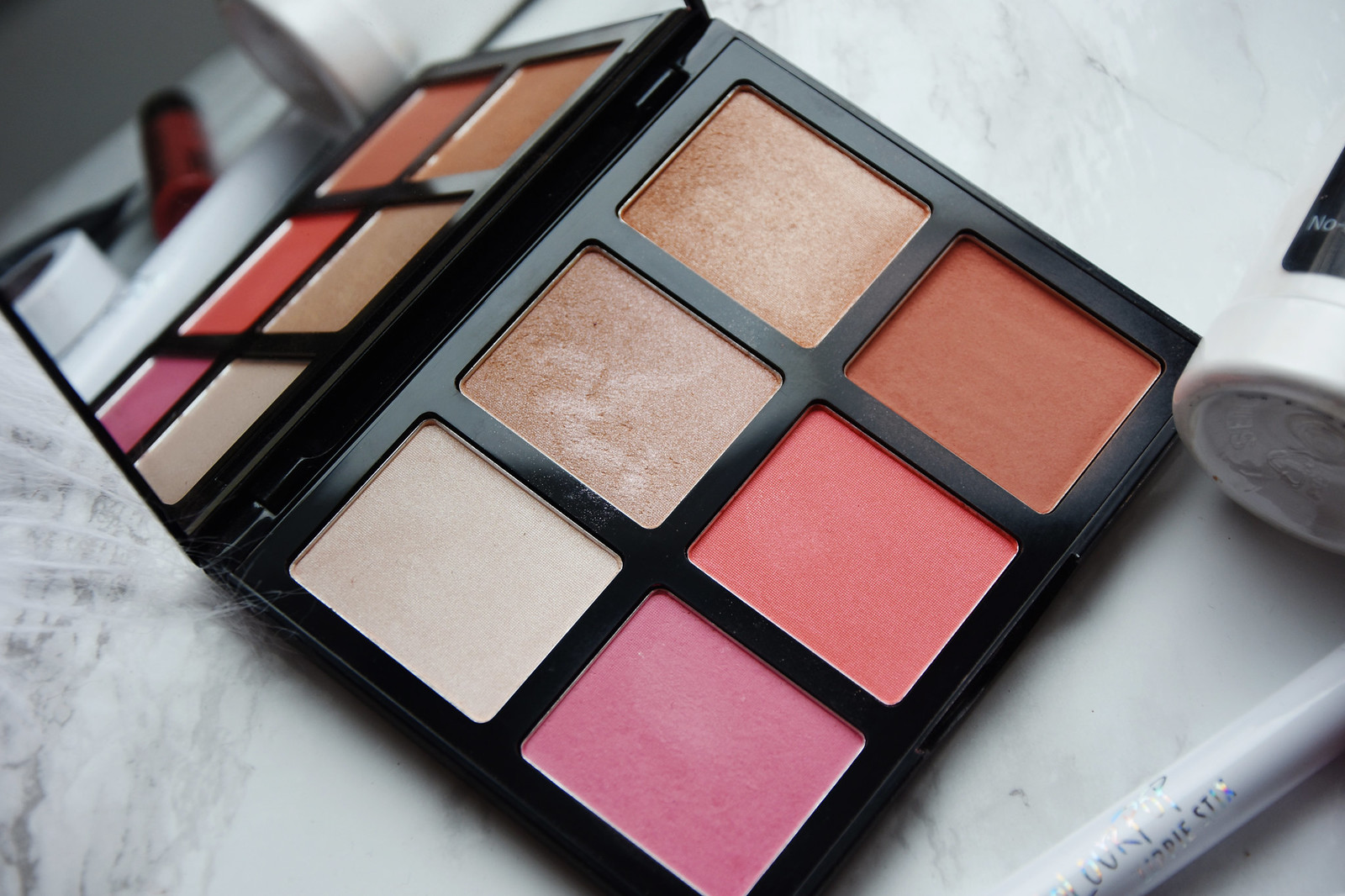 H&M Radiant Face palette review