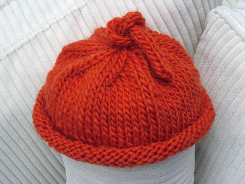 umbilical cord baby hat from stitch bitch knit up exactl flickr. Black Bedroom Furniture Sets. Home Design Ideas