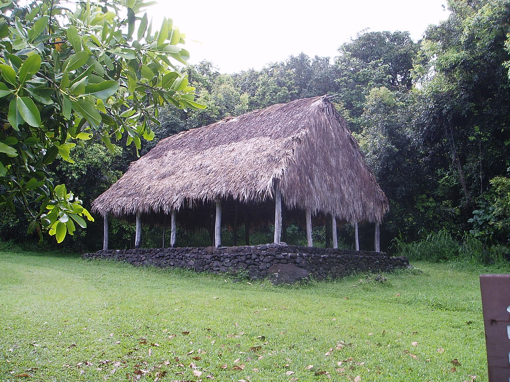 Traditional Hawaiian Long House | Andie B | Flickr