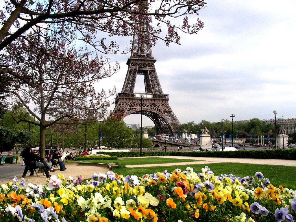 Paris au printemps jo o ernani oliveira flickr for Semer le gazon au printemps