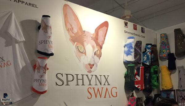 cat-con-la-sphynx-swag