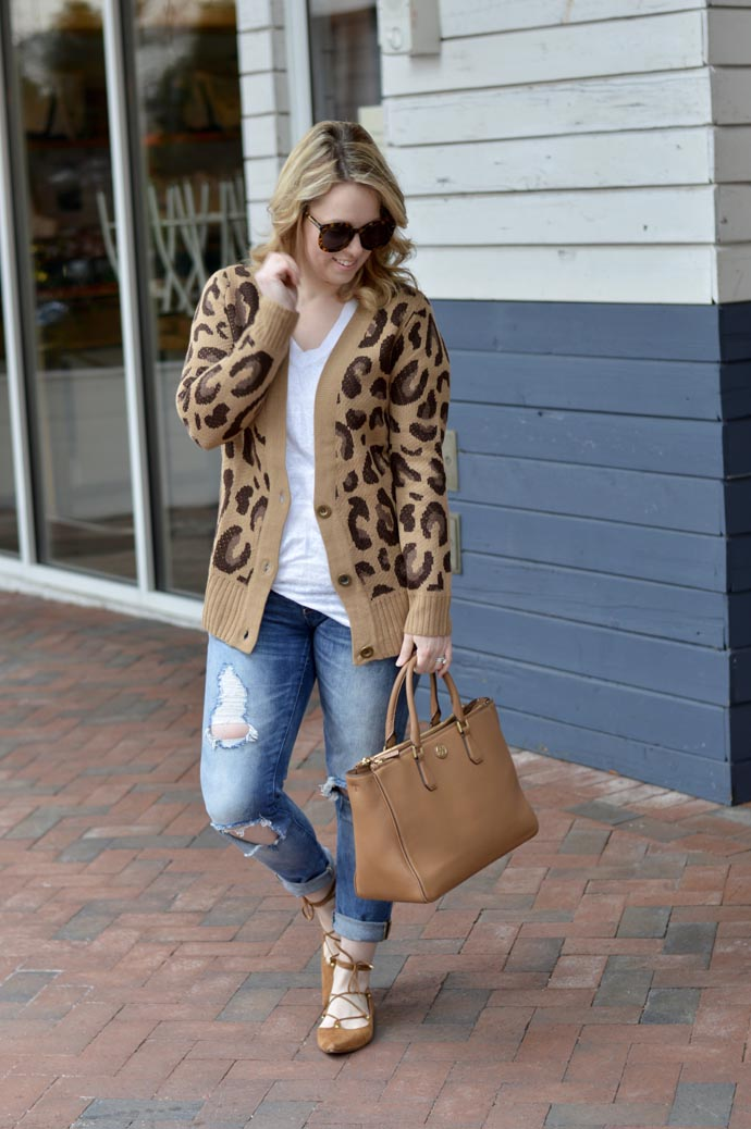 how-to-wear-leopard-in-spring-outfit-idea