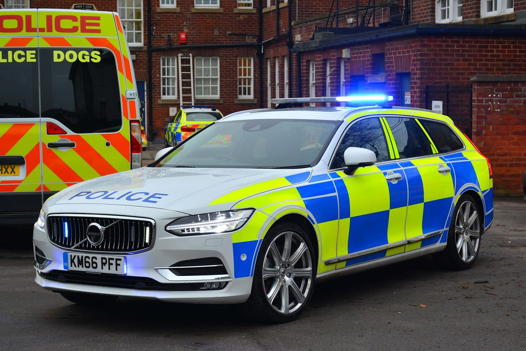 Km66 Pff Volvo V90 D5 Awd Traffic Car Demonstrator On
