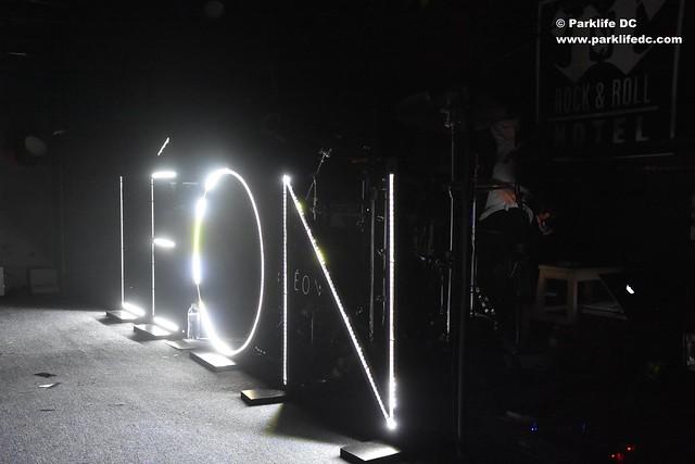 LEON 01