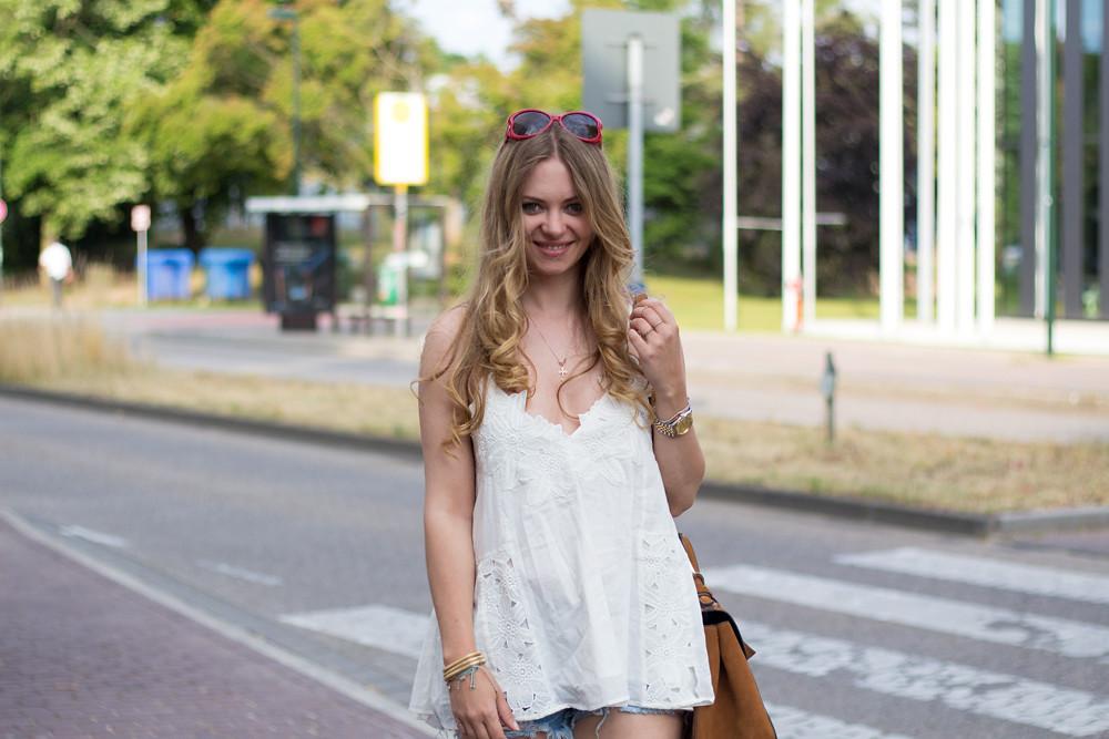 H&M trend lace shirt jeansshorts