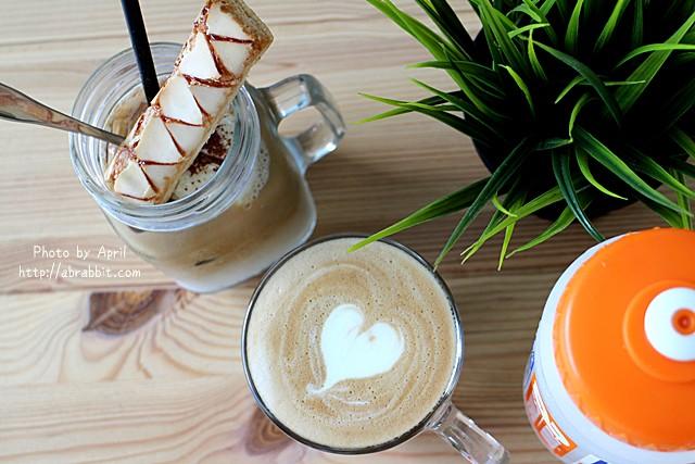 31546084072 944ede434c z - [台中]Toward Cafe 途兒咖啡--貨櫃屋咖啡廳,早午餐、輕食、咖啡@西屯區 玉門路(已歇業)