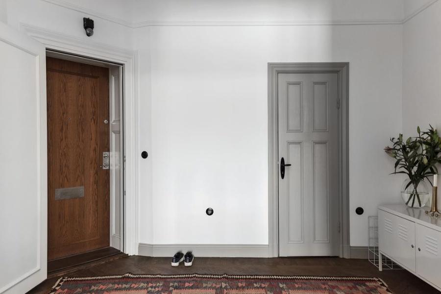 Light Gray Scandinavian Apartment
