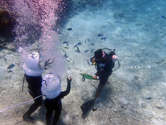 25 沖繩自由行 水上活動 香蕉船 Marine Support TIDE 殘波 藍洞海洋觀光 藍洞浮潛&珊瑚礁 餵食熱帶魚浮潛