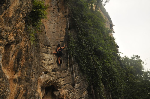 Sole Sis Stephanie climbing in Tonsai