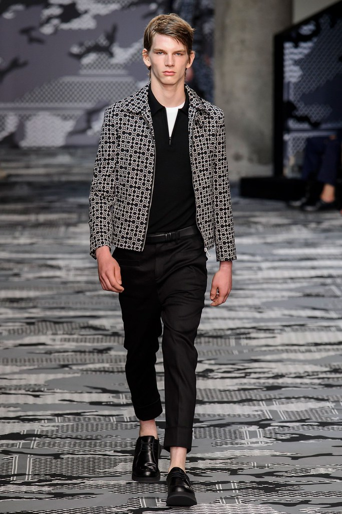 SS16 Milan Neil Barrett026_Erik van Gils(fashionising.com)