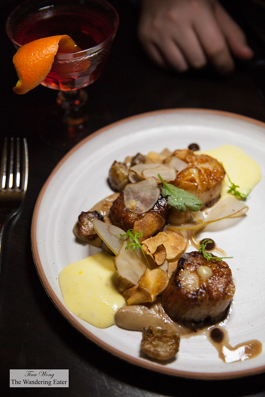 Day boat scallops, brown butter, sunchoke, pear