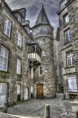 La plus vieille maison de st malo john gray flickr for La maison des armateur saint malo