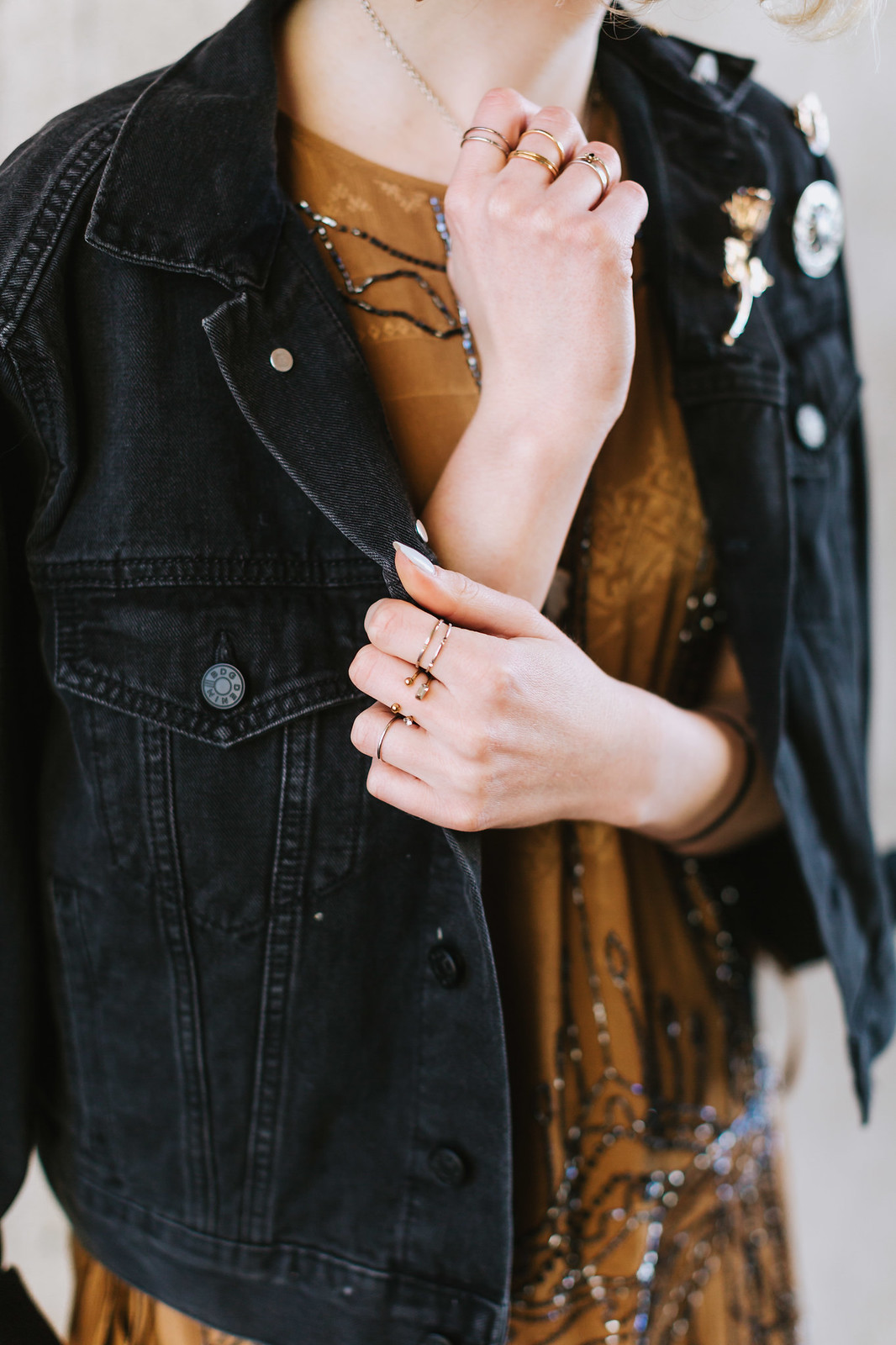 Metal Pins and Black Denim shot by Lena Mirisola on juliettelaura.blogspot.com