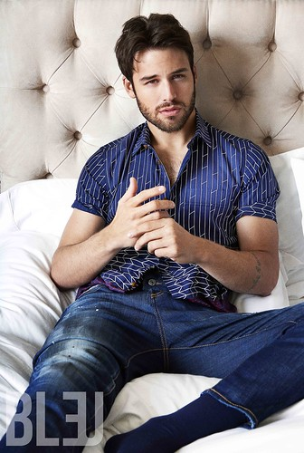 Ryan Guzman  Celebritysocks  Flickr-3667