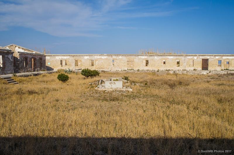 Patio del Cuartel de los Carabineros del Prat