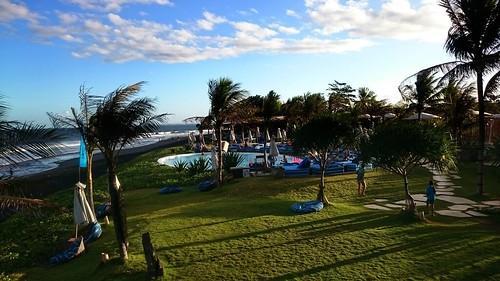 Komune Beach Lounge