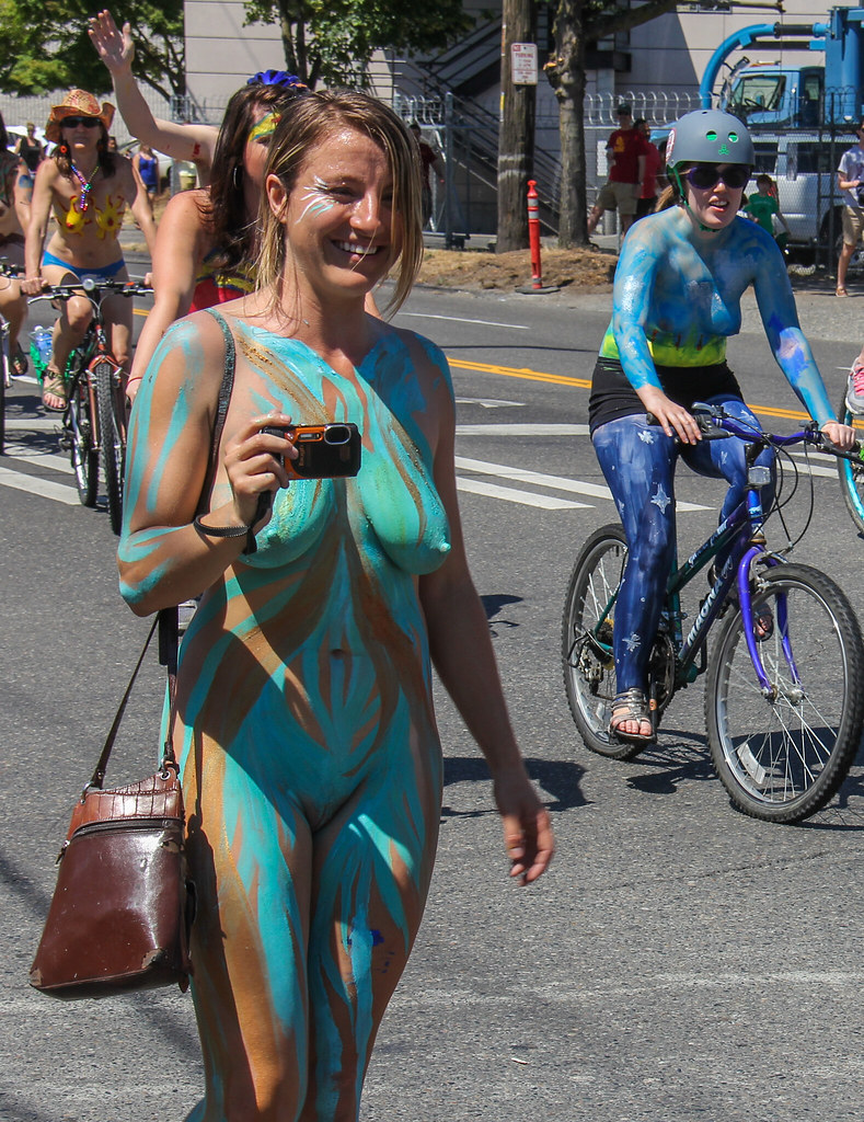 Cyclists fremont solstice naked