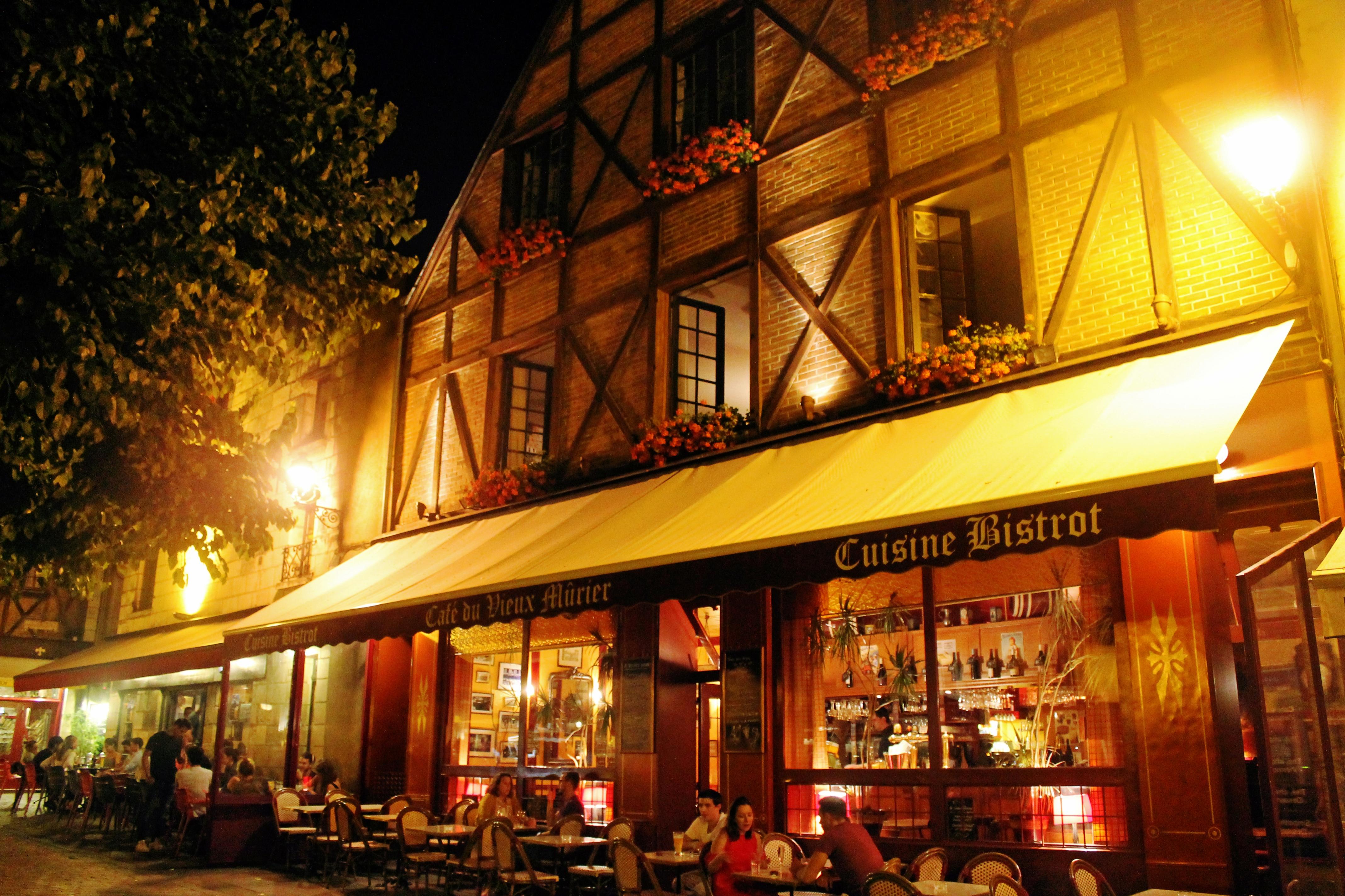 Cidade de Tours, base para visitar os Castelos do Vale do Loire - Drawing Dreaming