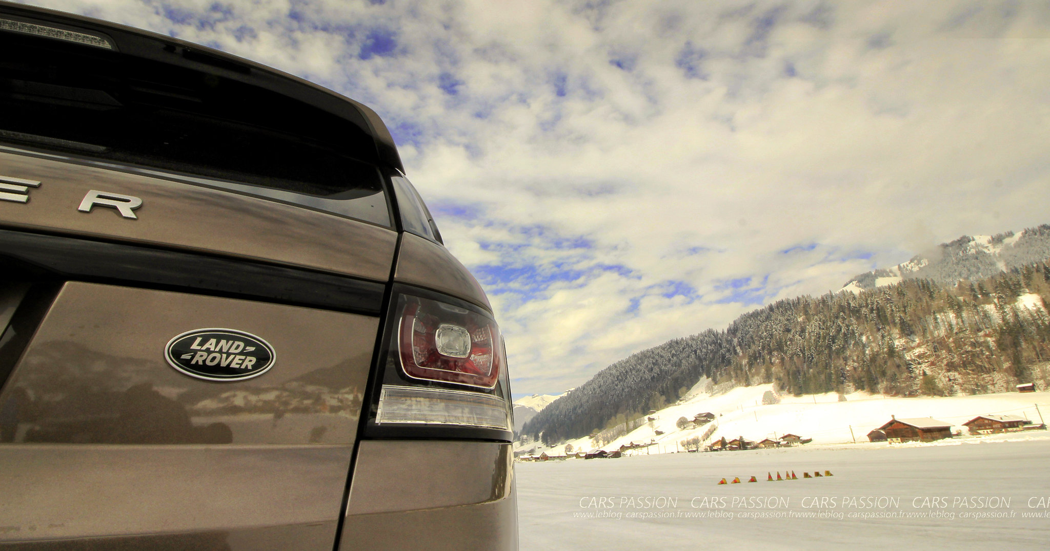 jaguar-land-rover-ice-drivng-esperience-gstaad (16)
