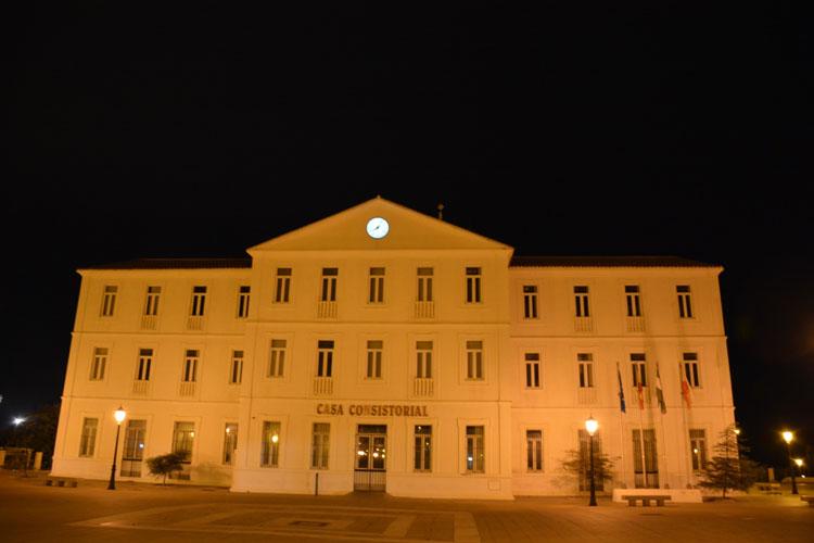 fachada ayuntamiento nocturna13