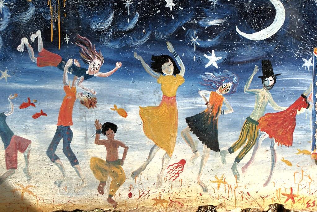 Danse sur la plage à Koh Lanta à la Chagall.