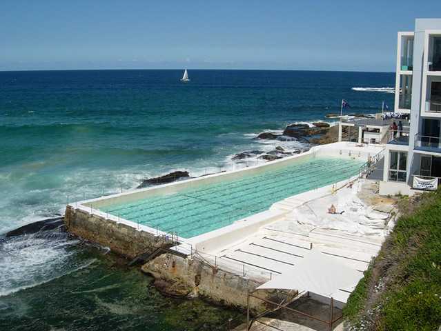 Probably the nicest swimming pool in the world simon for Nicest swimming pools