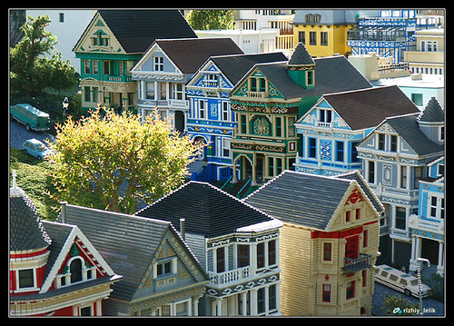 San Francisco victorians in lego | by Rizhiy Lelik