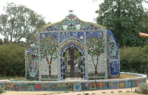 Bottle House Local Artists Paid Homage To Visionary