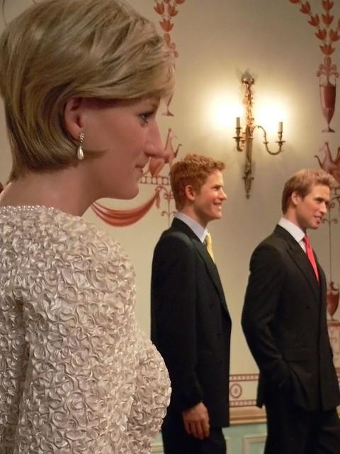 Princess Diana Kate Middleton Replica Ring
