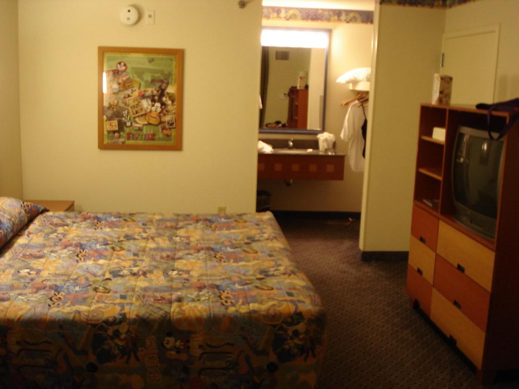 Pop Century Room Service