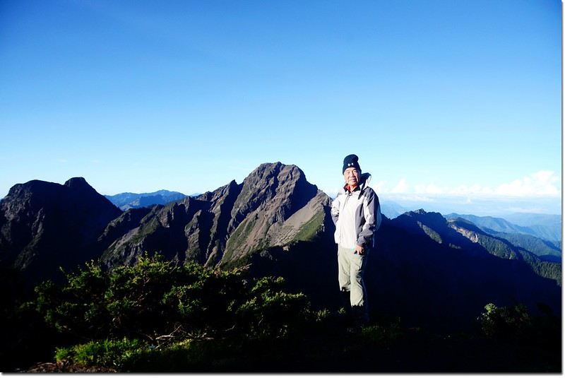 玉山北峰頂(Elev. 3858 m) 4