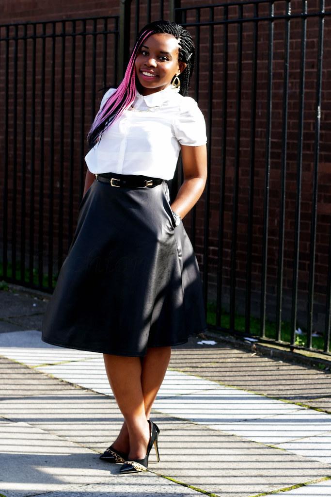 leopard-print-heels-work-style-office-chic, neoprene trend, neoprene fashion, work style, officewear, white shirt, a line skirt, black skirt, stilettos, trend, fashioncadet,