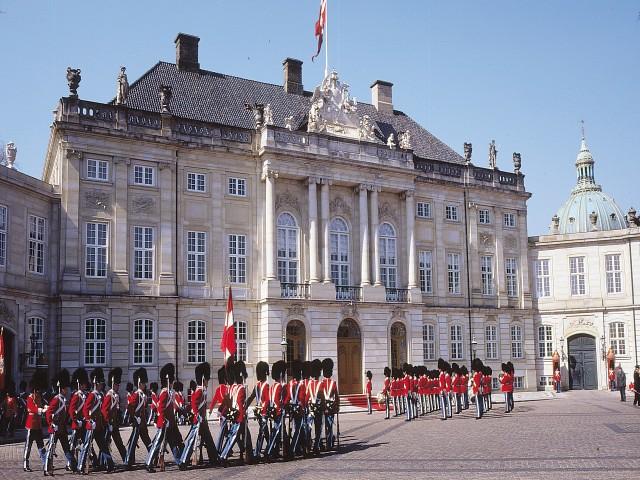 palatul amalienborg 1