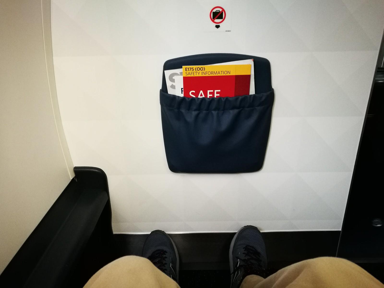 Bulkhead seats