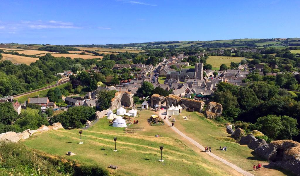 """Castillo de Corfe - La Bruja Novata - Inglaterra castillo de corfe - 32823878916 ea88f078ba b - Escenarios de """"La Bruja Novata"""" – Castillo de Corfe"""