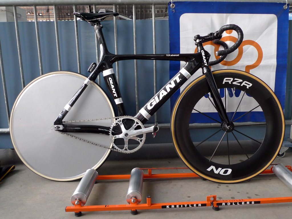 Henrys-Carbon-Giant-Track-Bike | New (old) bike on the track… | Flickr