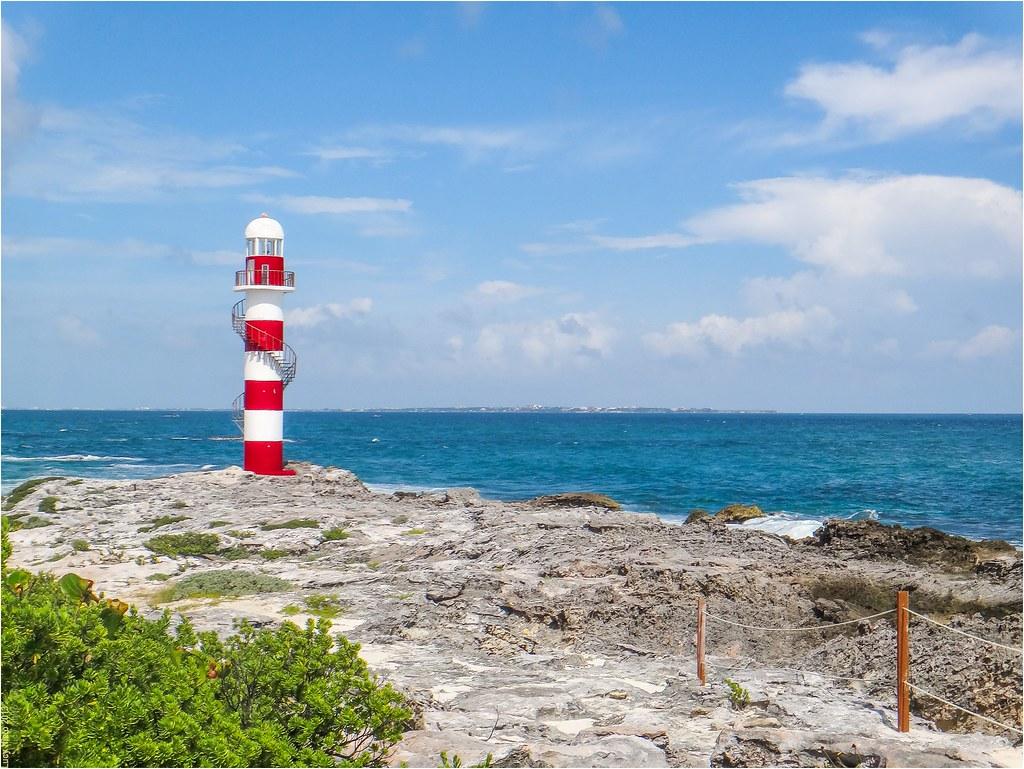 Faro en Punta Cancún - Quintana Roo México 131116 123228 2282