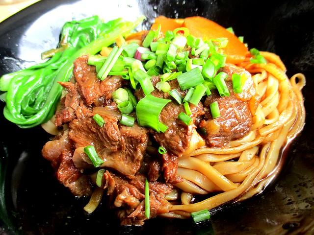 Chopsticks beef noodles, dry 1