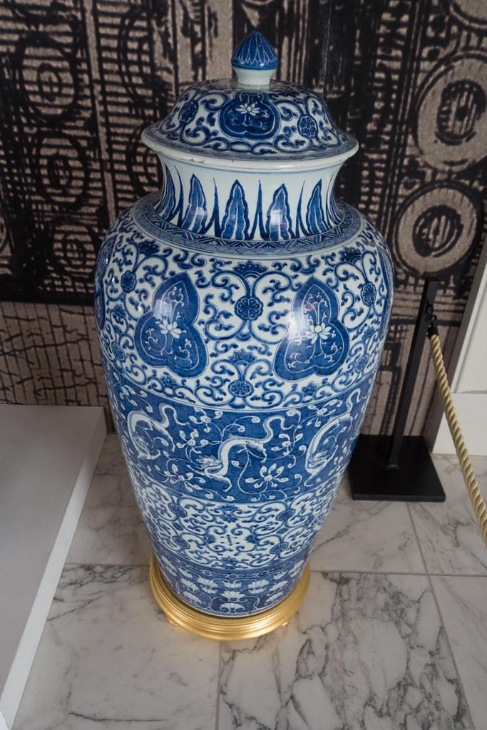 large ming vase by quinet - Ming Vase