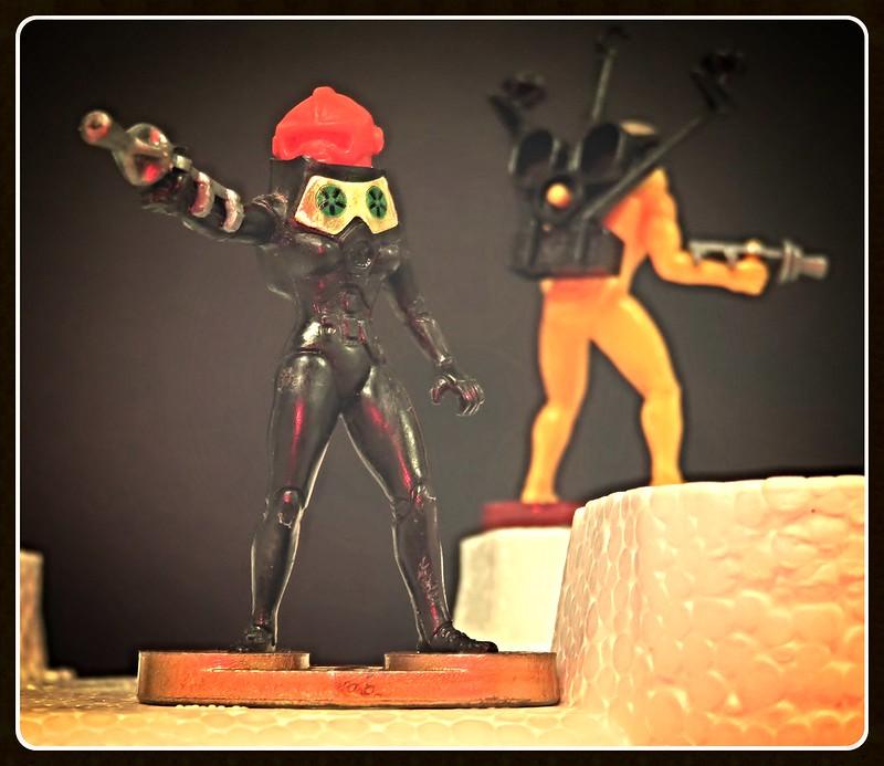 Toy soldiers, cowboys, indians, space men etc 32731361852_4838591b75_c