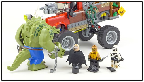 The LEGO Batman Movie 70907 Killer Croc Tail-Gator figures03