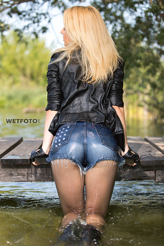 wet jeans shorts and tights | Wetlook with WetFoto.com