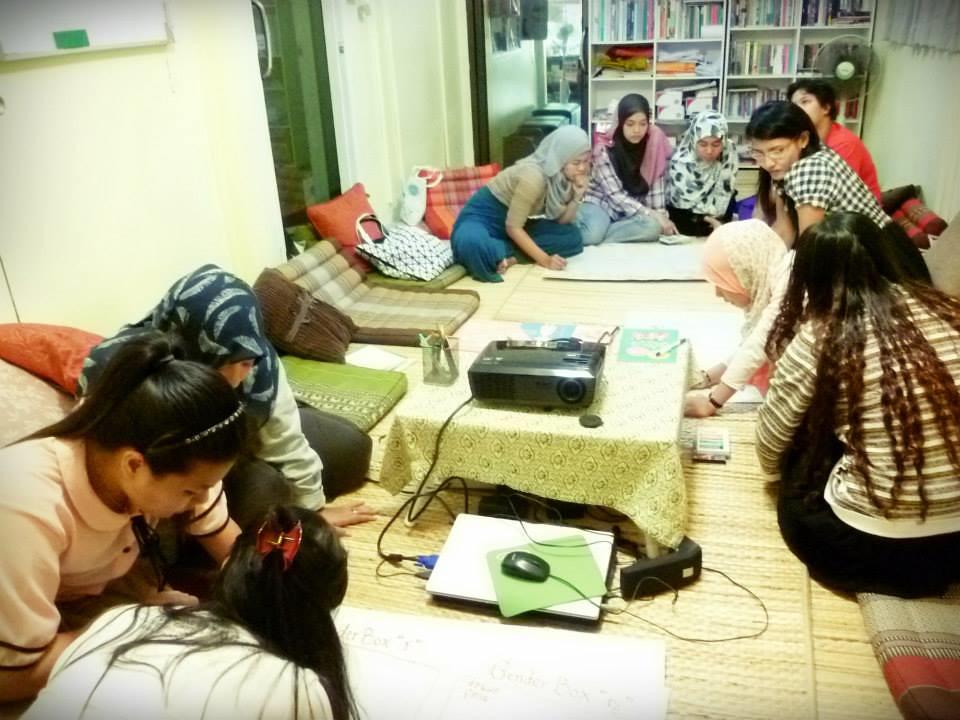 與當地穆斯林在書店中進行焦點團體等活動。(圖片來源:Buku Books & More)