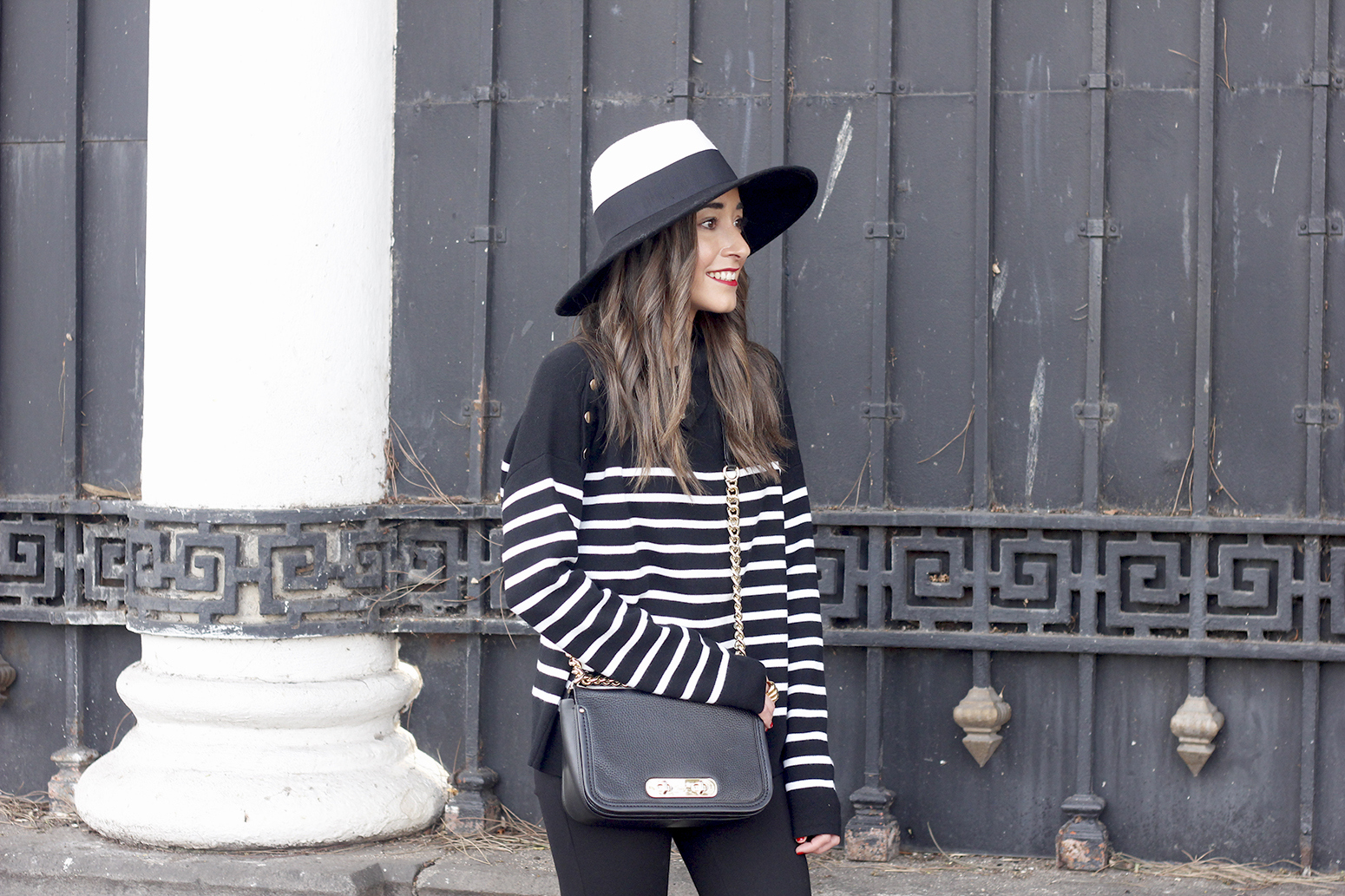 striped sweater maje pink heels black trousers coach bag uterqüe hat accessories style fashion07