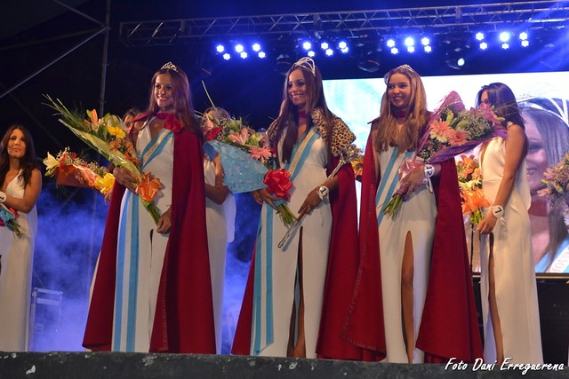 FNA25 Elección de la Reina y sus princesas