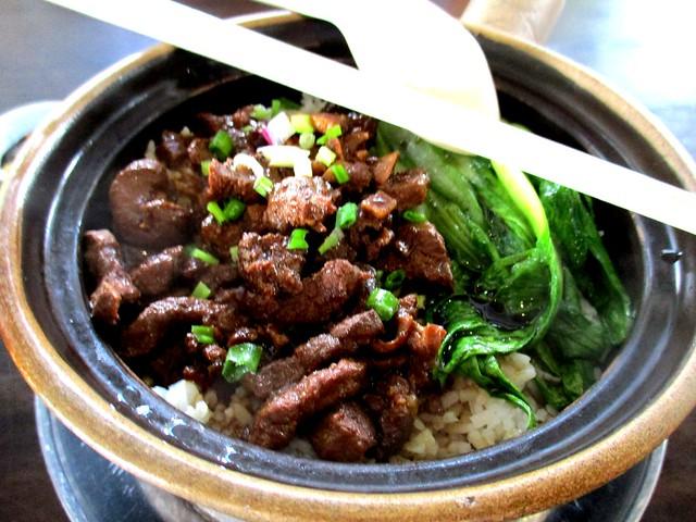Claypot rice with pork