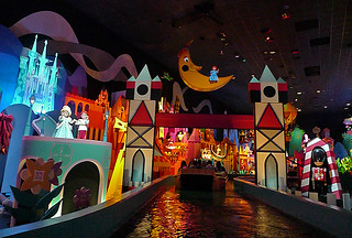 Disneyland Hongkong - Small World UK