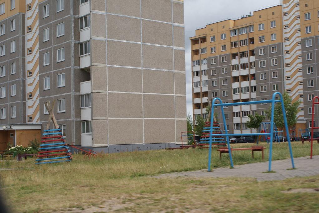 La Biélorussie est parsemée des villes nouvelles, cité dortoir avec le plus pur style soviétique.